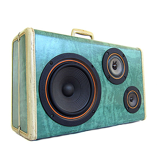 vintage-suitcase-boombox