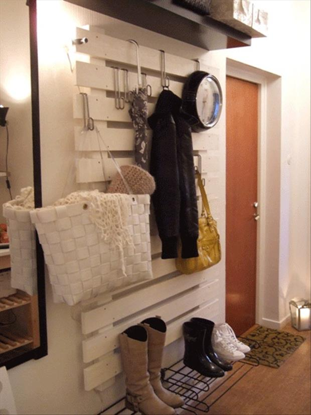 used-pallet-coat-rack