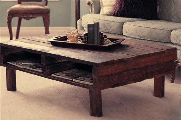 wood-pallet-coffee-table